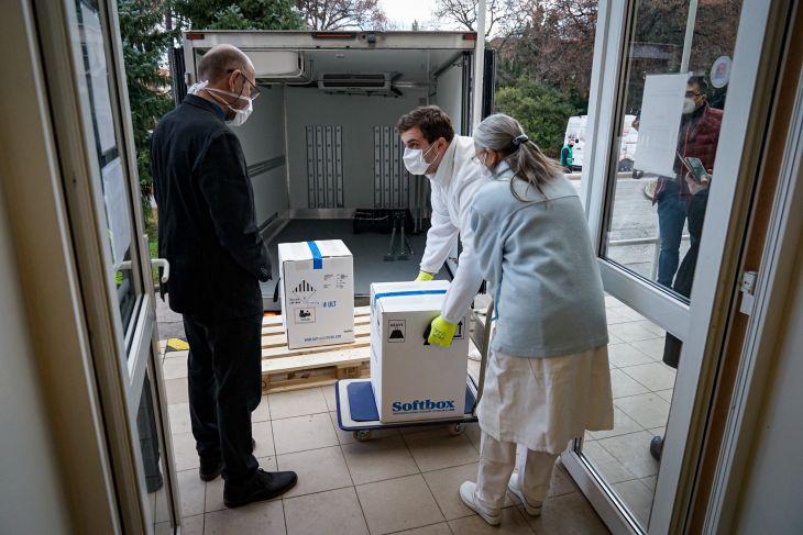 Očkovanie proti COVID-19 na Slovensku sa začalo