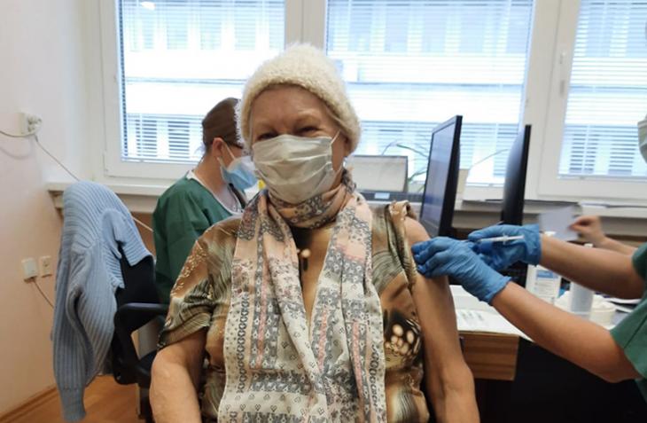 Očkovanie seniorov v Bratislave pokračuje