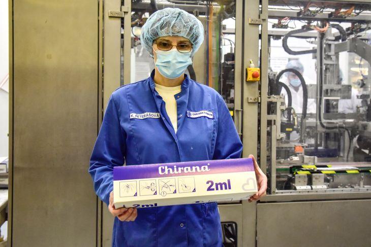Chirana T. Injecta dodá štátu 4 mil. injekčných striekačiek