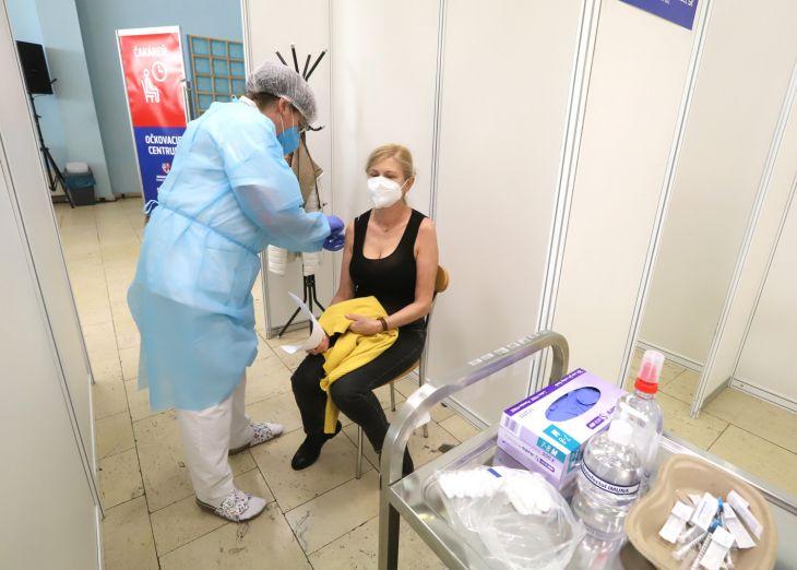 Vo Zvolene otvorili očkovacie centrum