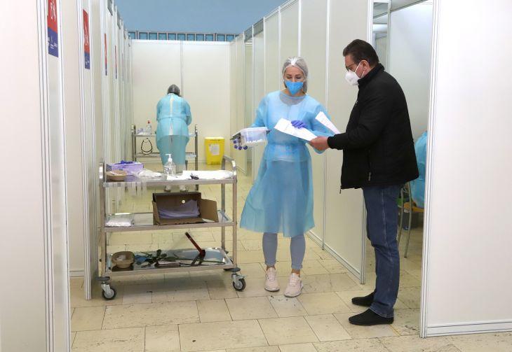 Koniec striehnutiu na voľné očkovacie termíny