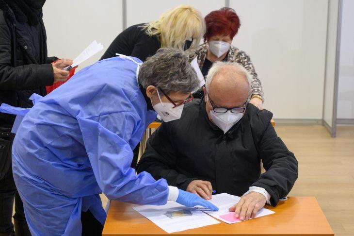 Senica: V meste spustili vakcinačné centrum