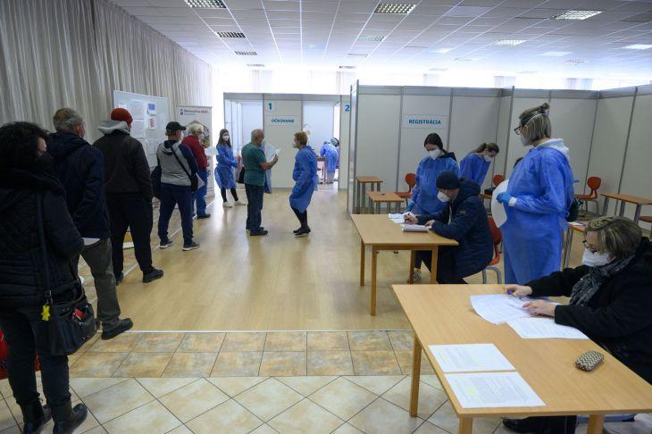 V Nitrianskom kraji pribudnú dve nové očkovacie centrá