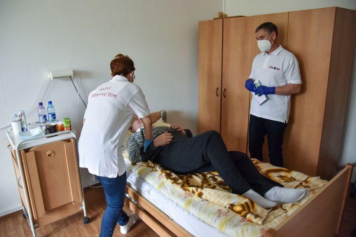Mobilná očkovacia jednotka v Bratislave sa zameriava na DSS